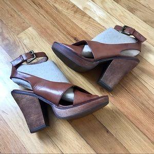 Jeffrey Campbell wood platform sandals S73